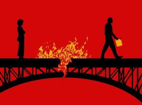 Сгорают часто все мосты…