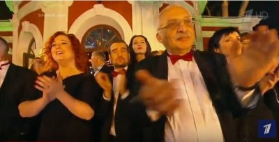 "Песня А.Челентано ""Stivali e colbacco"" и ""Калинка-малинка"". Поёт Маурицио Швейцер"