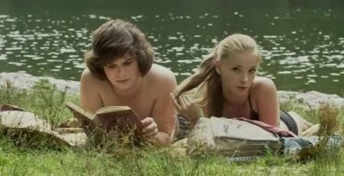 Бегал он к ручью, в ладошках приносил чуть-чуть...